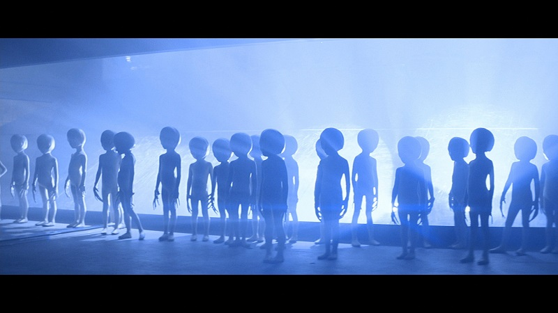 Screenshot: Little aliens from Close Encounters of the Third Kind