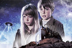 Escape to Witch Mountain promotional picture (Tony, Tia, UFO)